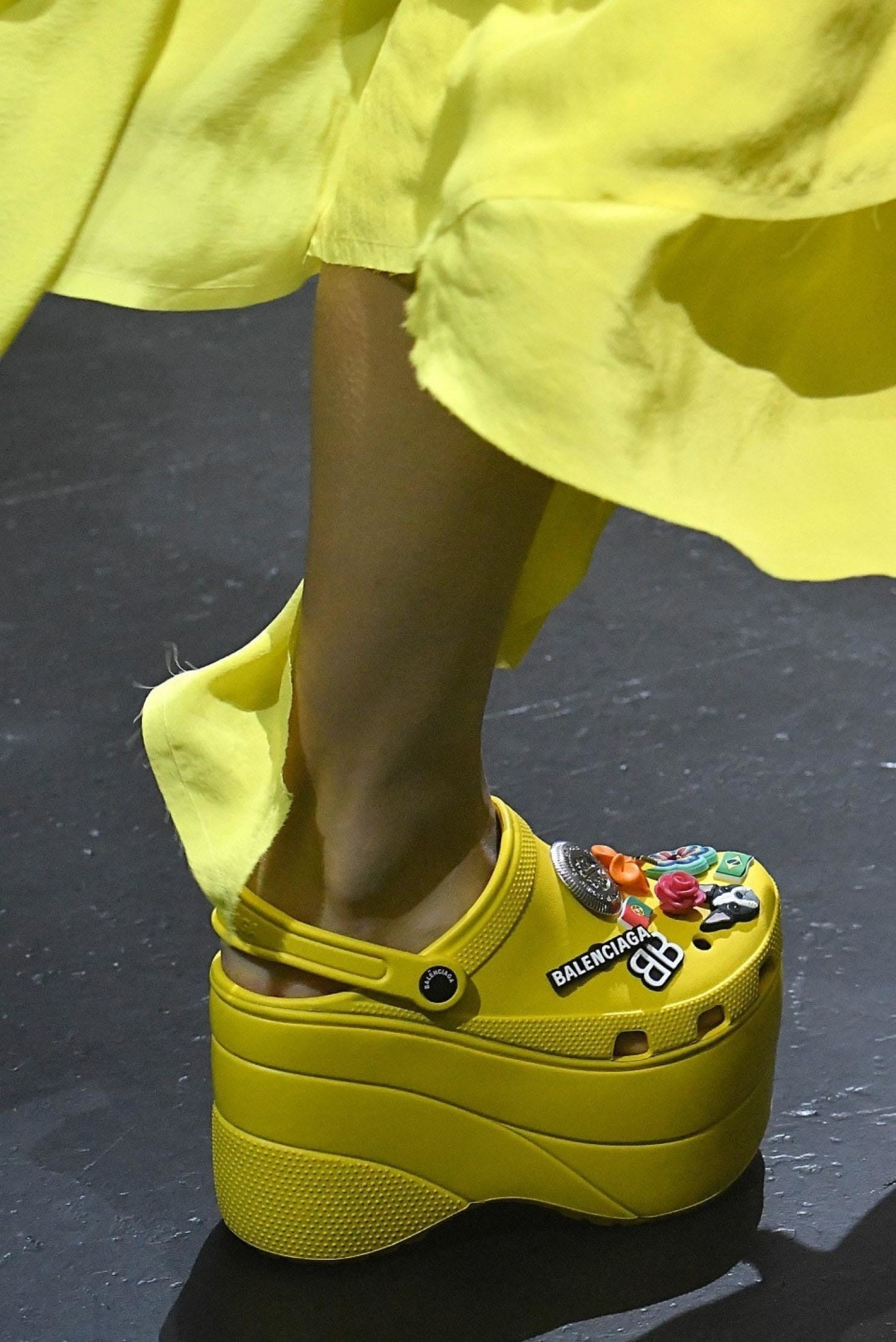 e0709265a5b1ac Platform Crocs and other strange signs of the time in fashion - Chicago  Tribune