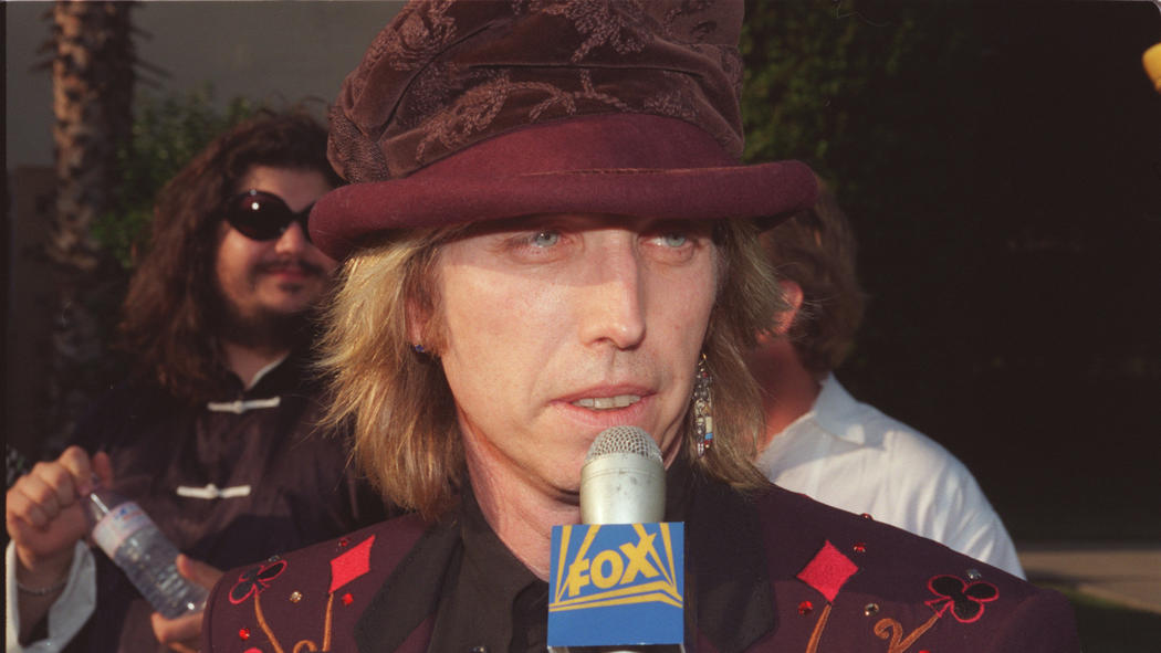 Tom Petty in 1996 wearing the jacket he had duplicated for his daughter. (Ellen Jaskol / Los Angeles Times)