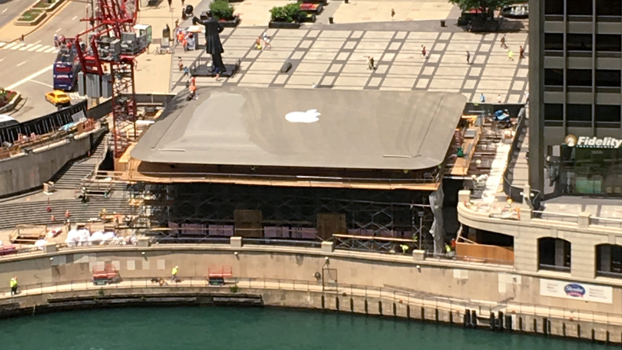Apple Store Likely To Go Without Rooftop Logo Chicago