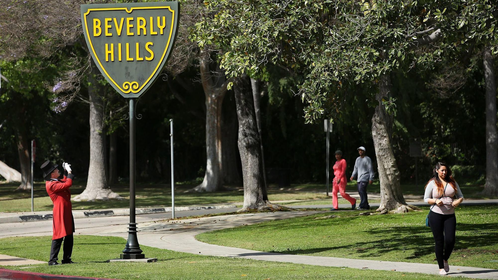 Neighborhood Spotlight: Beverly Hills is too rich to worry ...  Neighborhood Sp...