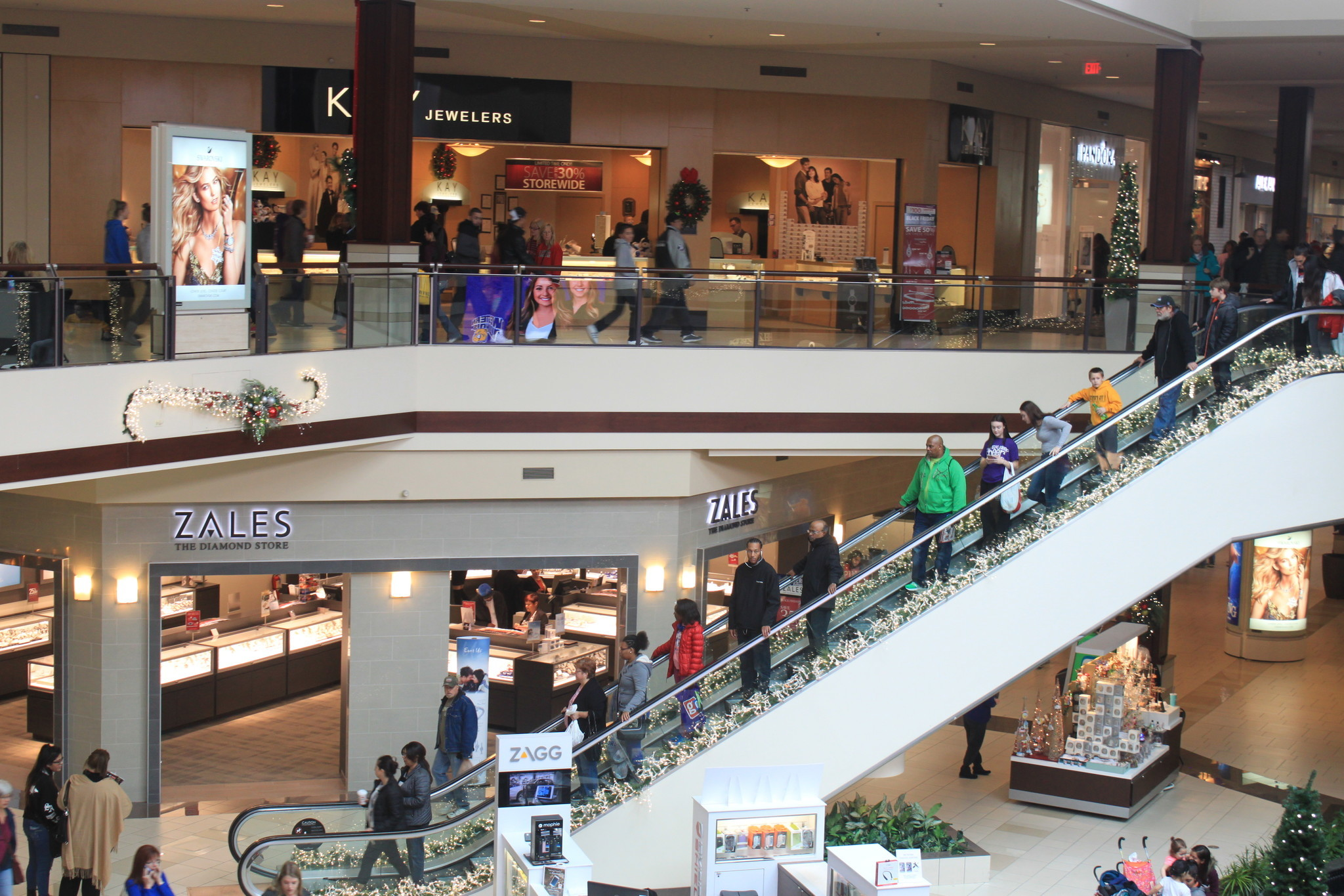 Malls In Ct >> Shopping malls battered by online retailers may be offered ...