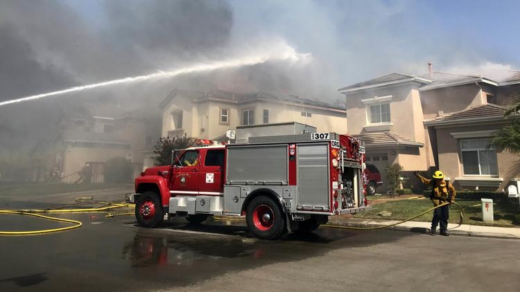 Raw Video: Canyon 2 fire in Anaheim Hills