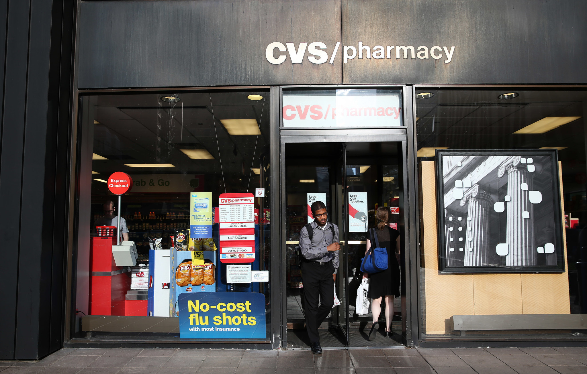Chicago Moves Closer To Easing Pharmacist Workload Chicago Tribune