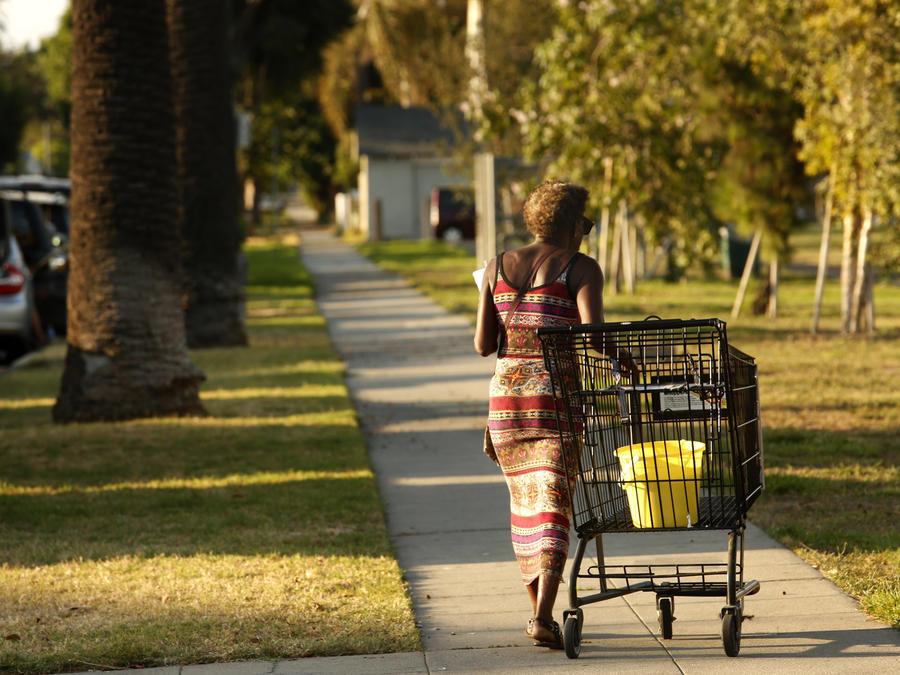 One corner  Four killings  - Los Angeles Times