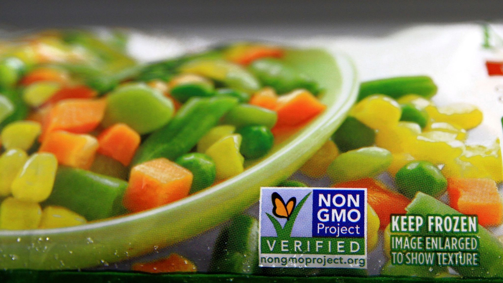 Cancer experts say there's no reason to shun genetically modified foods.