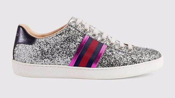 Gucci sneaker.