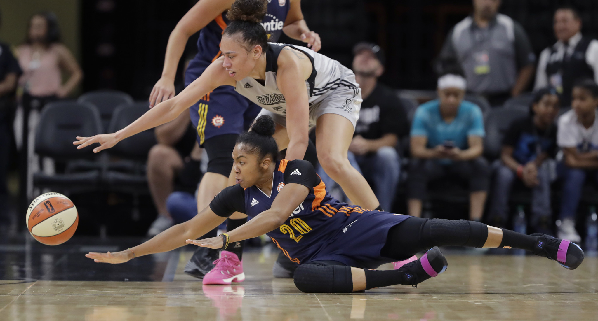 In Out Board >> Las Vegas gets first pro basketball team: WNBA's San Antonio Stars - Chicago Tribune