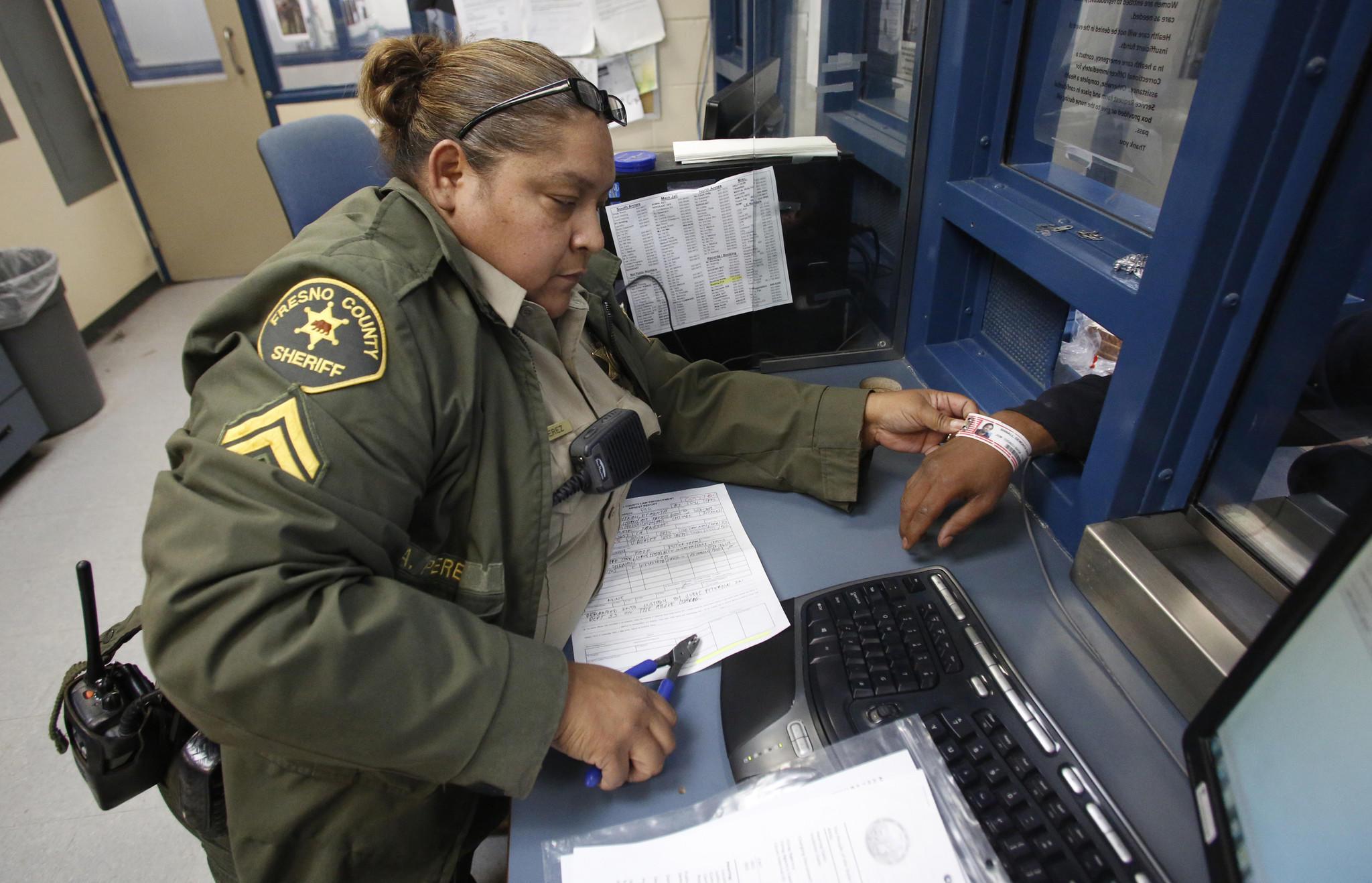 Pol Sacramento County Sheriffs - Keshowazo