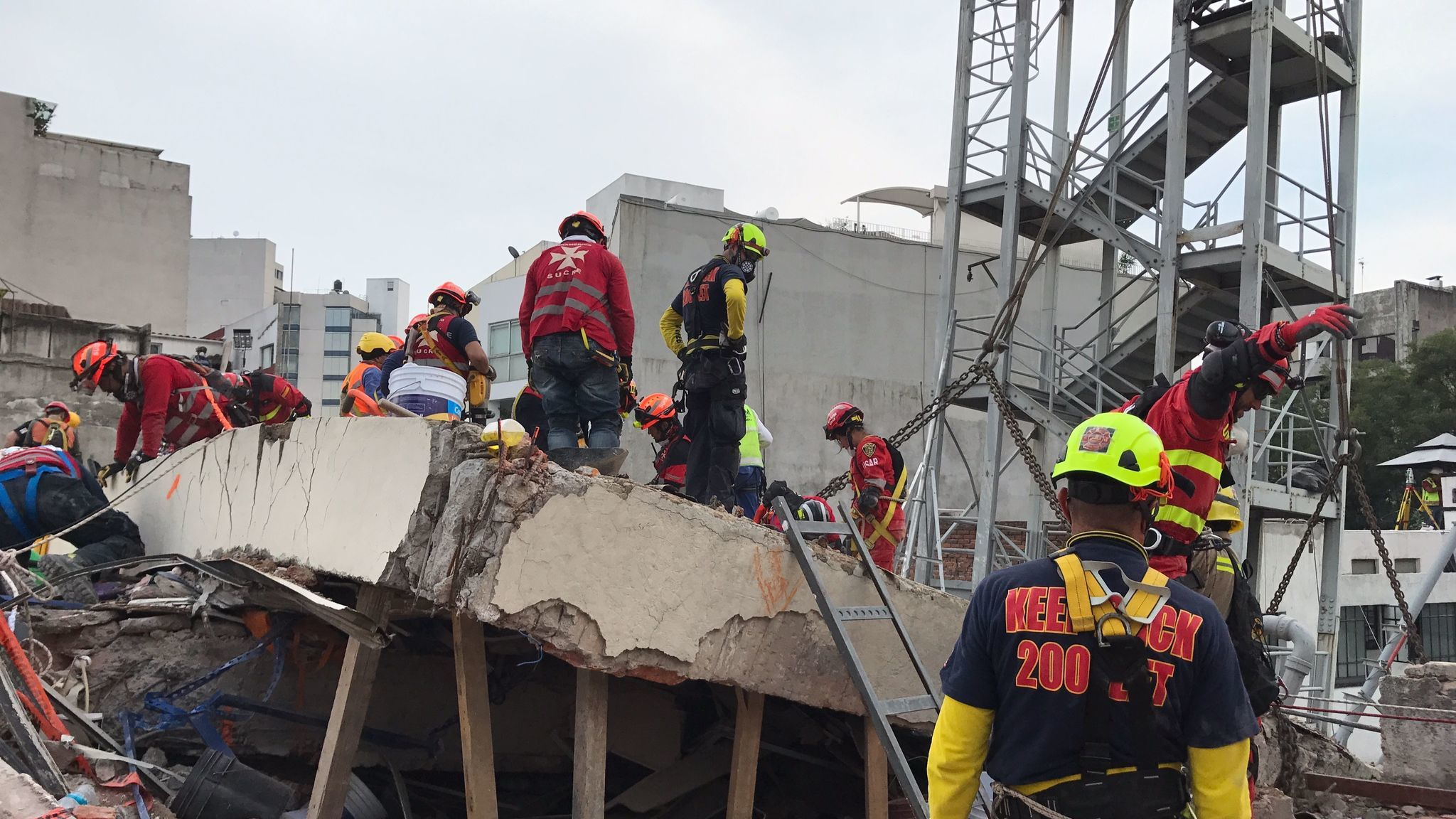 Some people  in the Mexico City seven-story office building at Avenida Alvaro Obregon 286 were able to survive if they managed to escape into the exterior steel stairwell before the building collapsed.