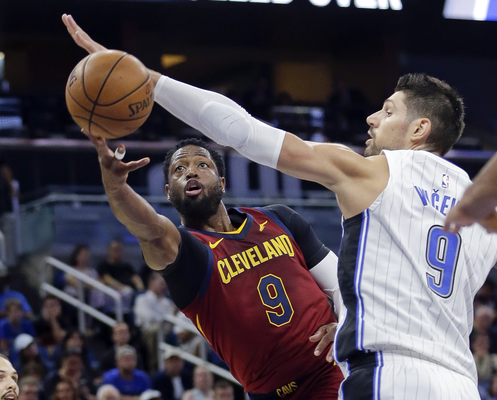 d97b3fd3c9bf Dwyane Wade asks to come off bench for Cavs  Derrick Rose out tonight vs.  Bulls - Chicago Tribune