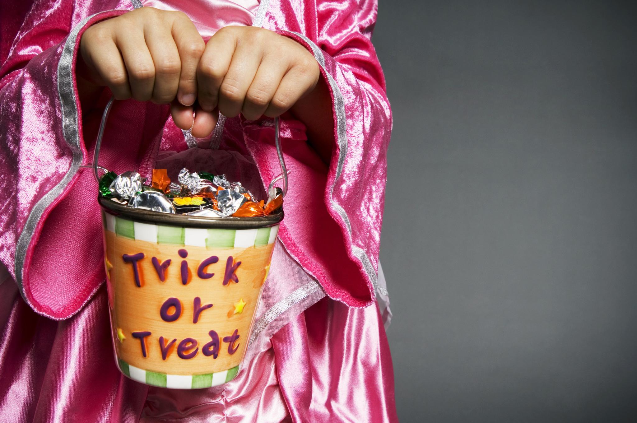 Pizza Hut Is Offering 50 Percent Off Pizza This Week ...   Halloween Pizza Hut Deals