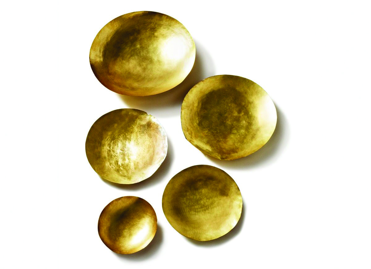 BOWL SET Brass is the new gold, right? Which means the Tom Dixon Form Bowl Set can add more than a