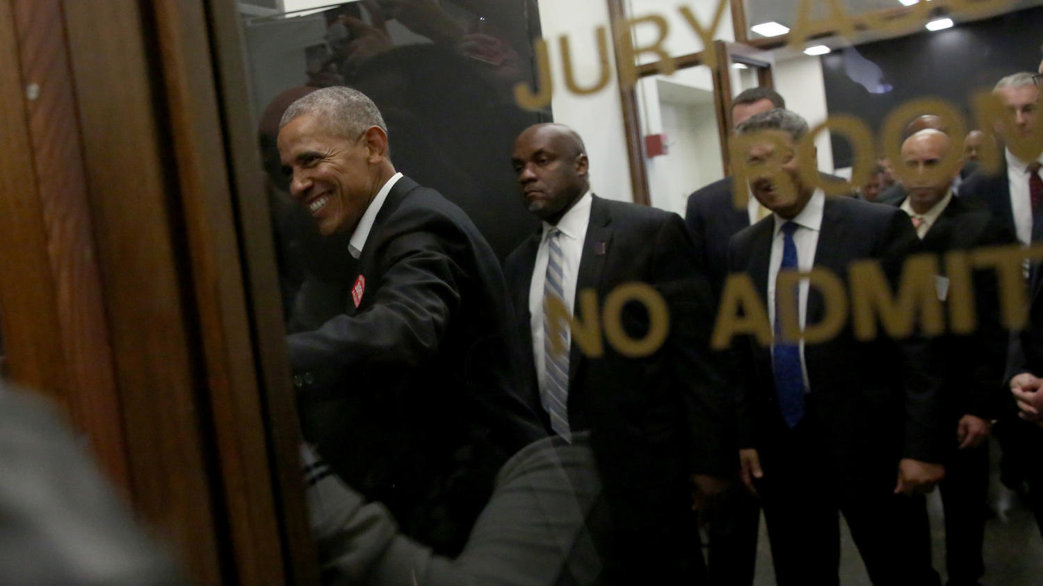 obama does the unthinkable at daley center makes jury duty a thrill