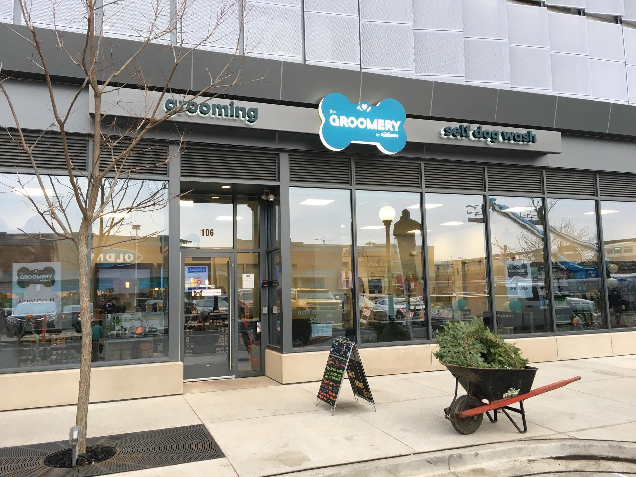 PetSmarts First Groomery Location Opens At Emerson Building In Oak Park