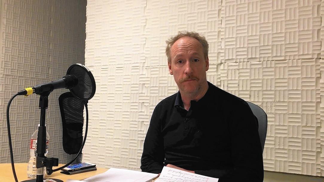 7 Popular Siding Materials To Consider: Matt Walsh Takes Break From 'Veep' For Performance In