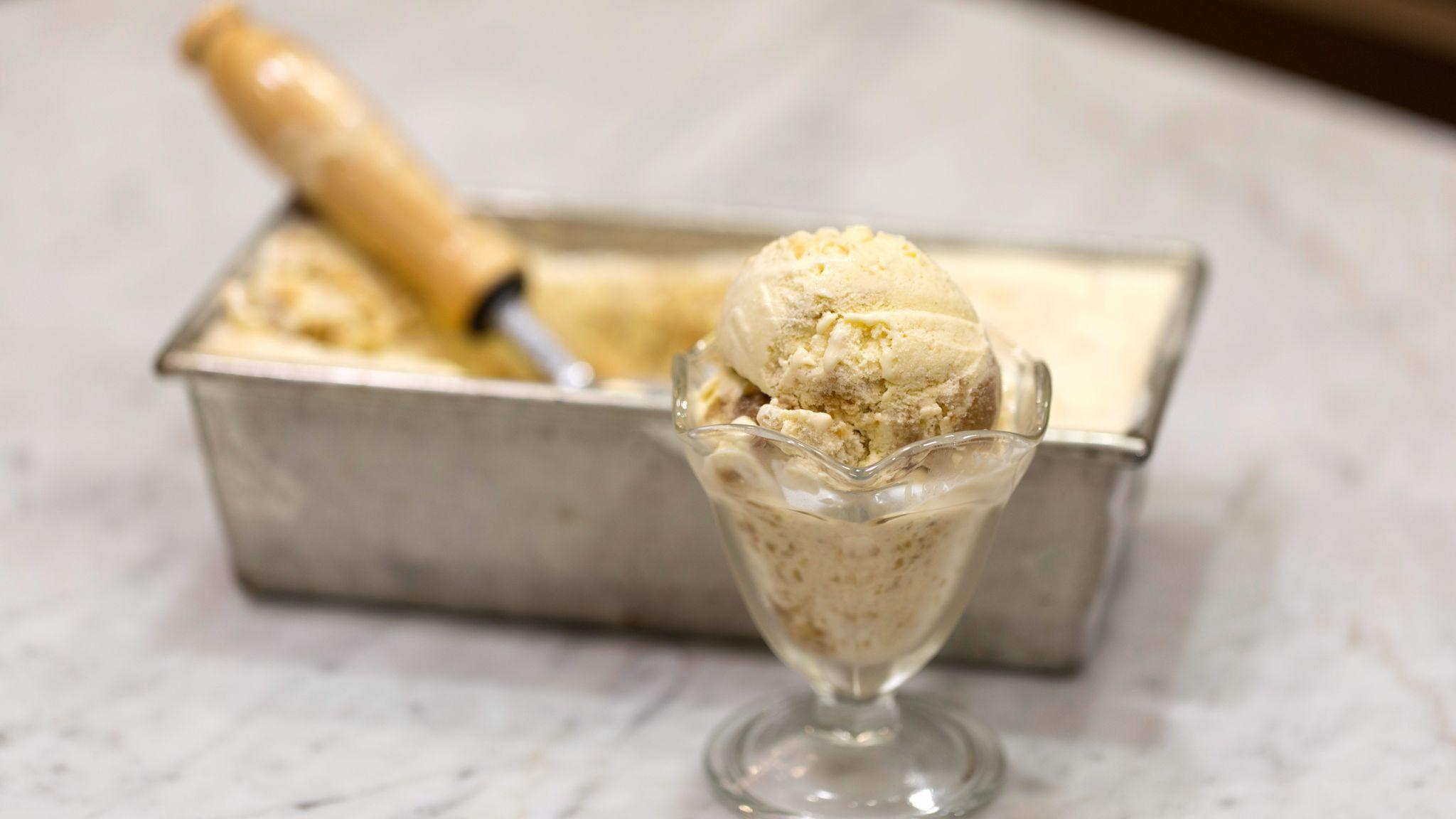 Roasted apple ice cream