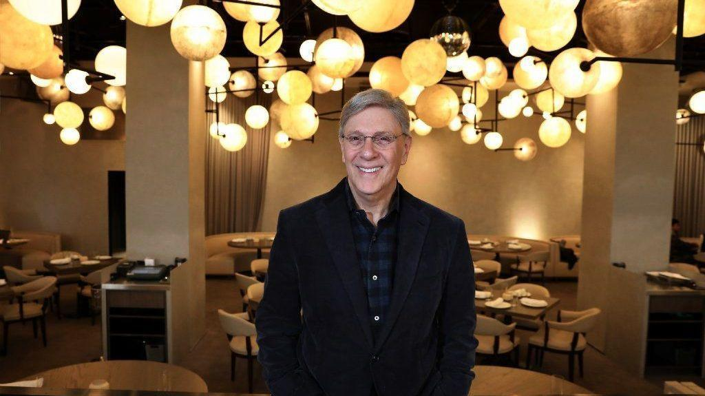 Booth One The Reimagined Pump Room Opens Chicago Tribune
