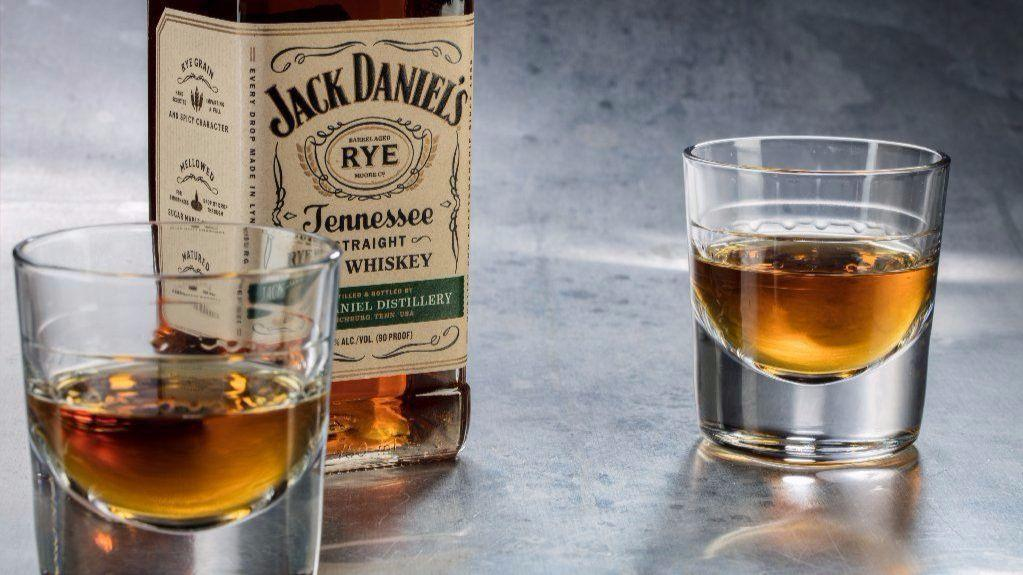 jack daniel s moves into rye with whiskey that flips familiar taste