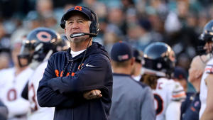 2bf84674d Every week John Fox continues to coach the Bears extends a Halas Hall  record for stupid