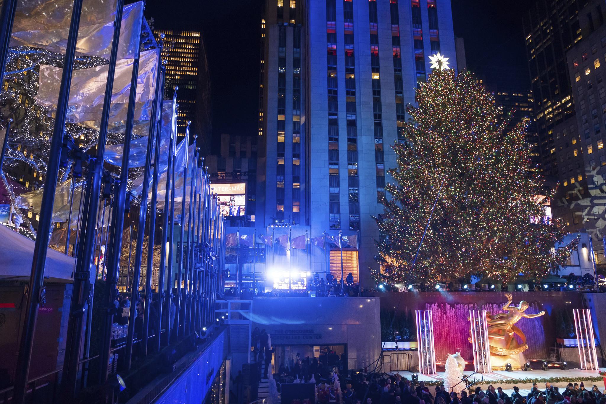 PICTURES: Rockefeller Center Christmas Tree Lighting