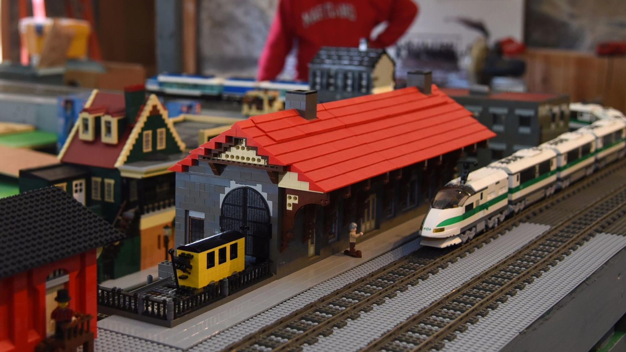 Lego enthusiasts recreate Ellicott City in holiday train garden - Howard County Times