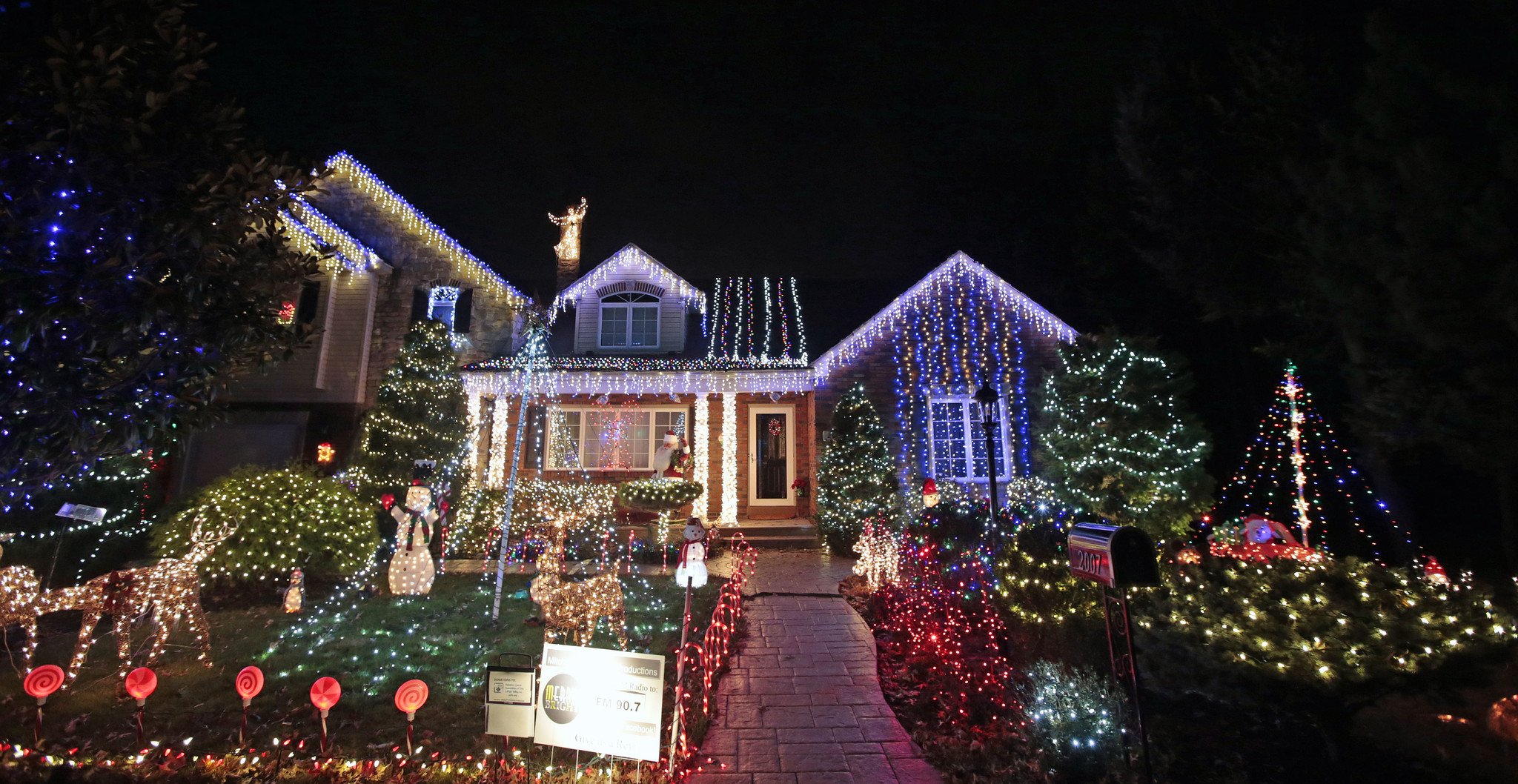 watch bill whites christmas lights 12th st bethlehem township the morning call