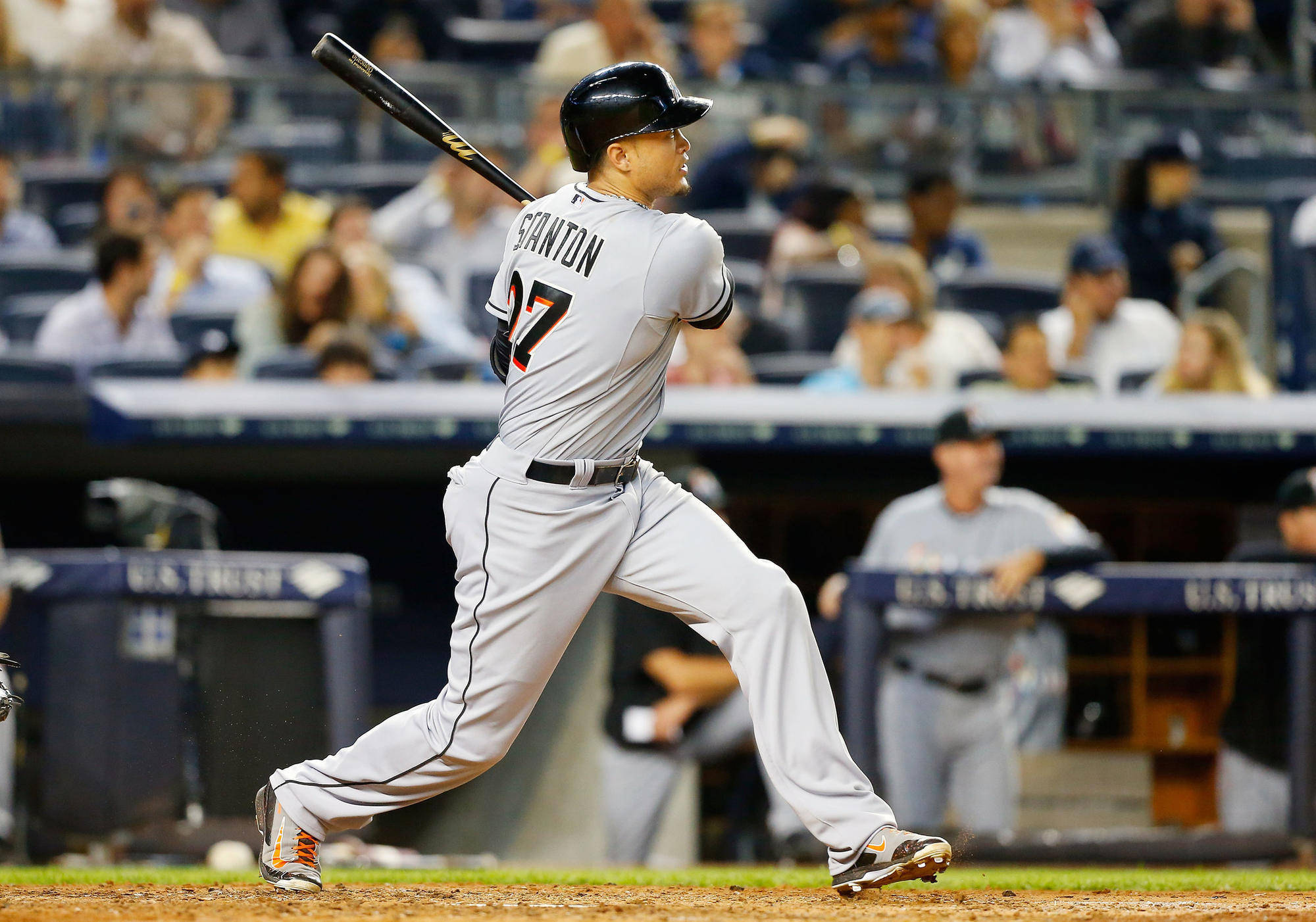 Yankees agree to deal to acquire Giancarlo Stanton from ...