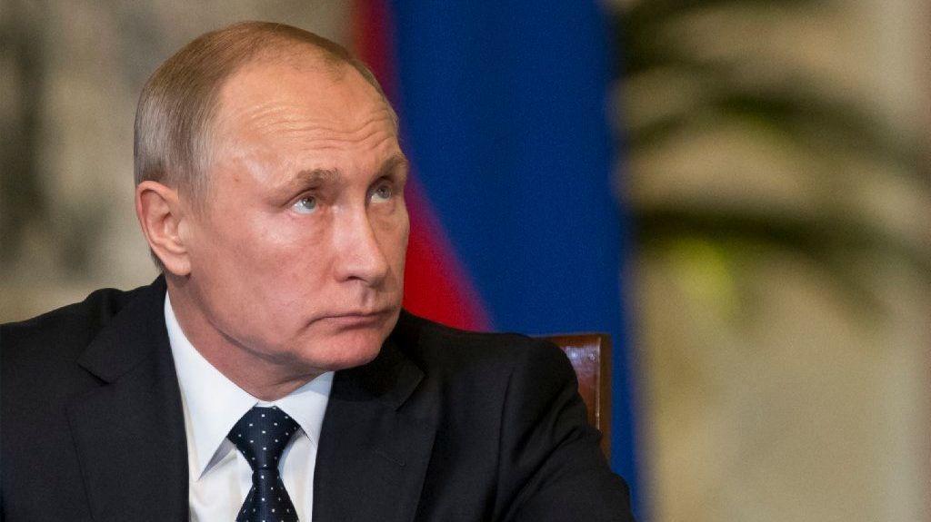 Putin pays surprise visit to Syria, where Assad tells him: 'Thanks a million'