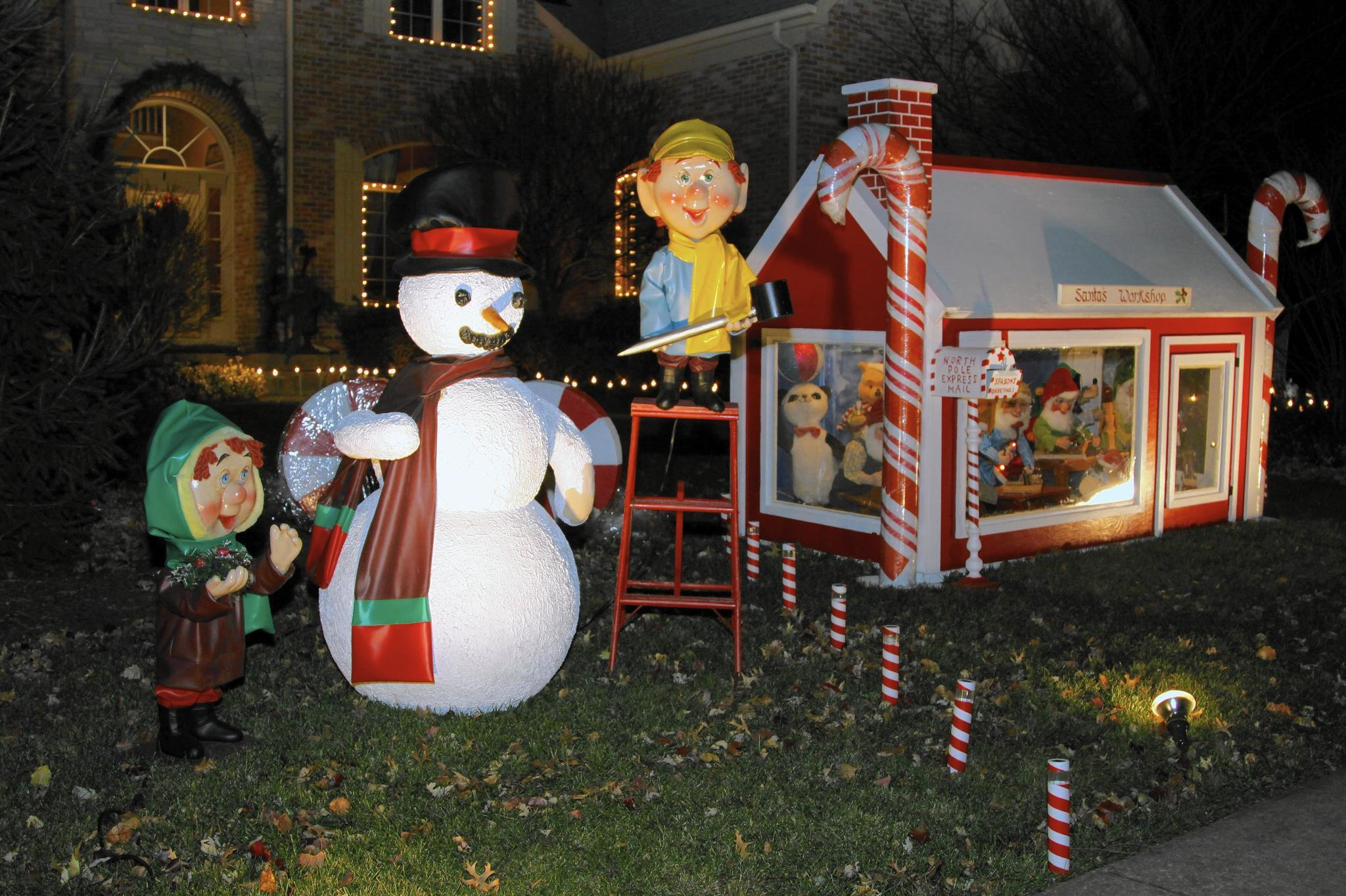 where to find the best holiday lights in naperville naperville sun