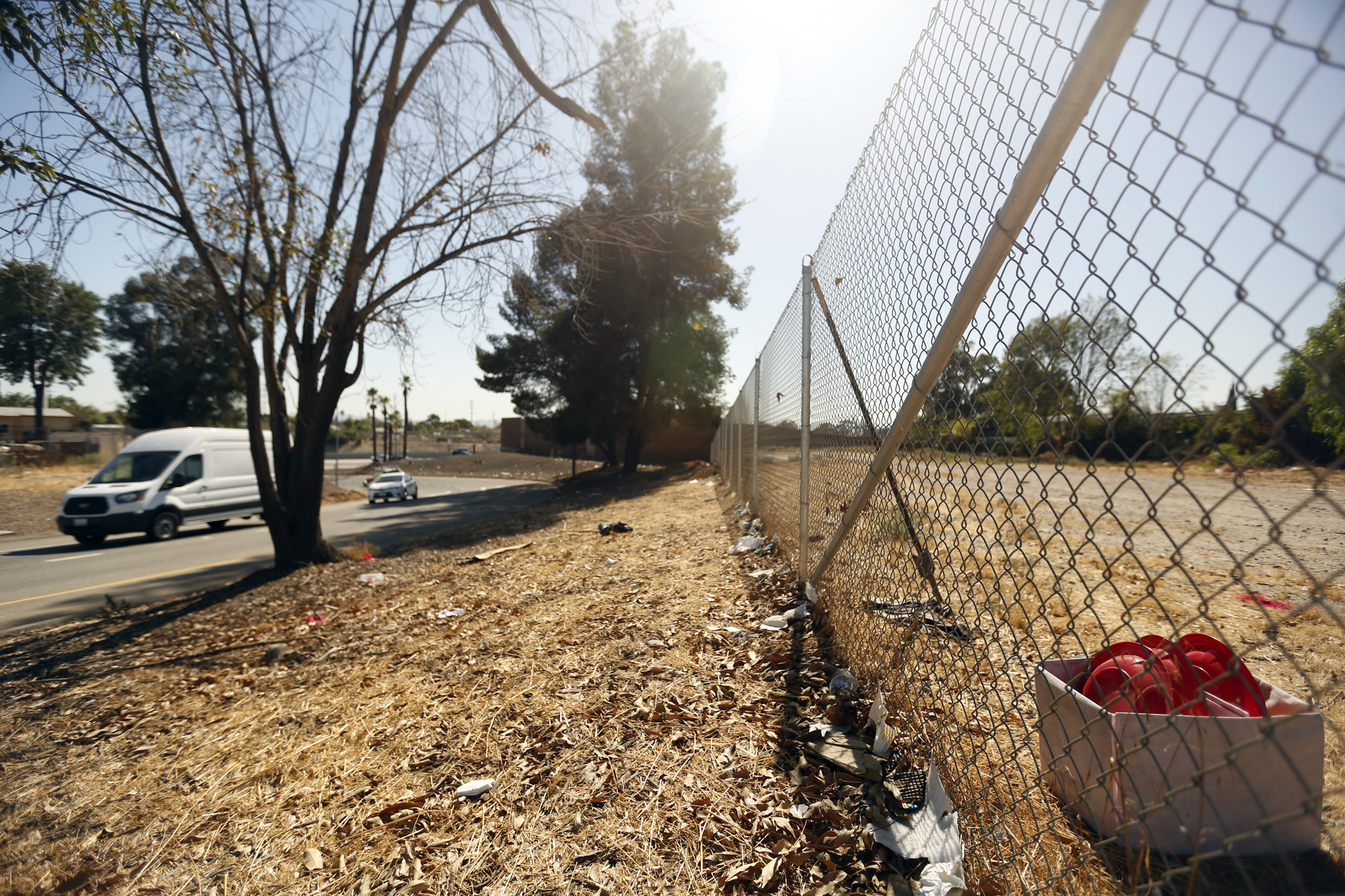 SUN VALLEY, CA — OCTOBER 5, 2017 — A vacant lot where the I-5 exits onto Laurel Canyon Blvd. is a