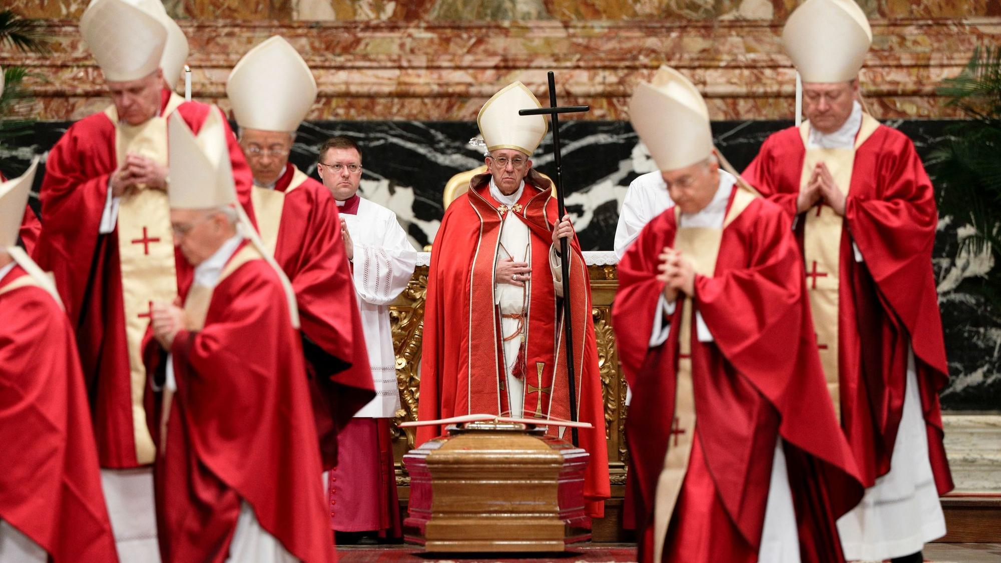 pope francis gives final blessing at cardinal laws