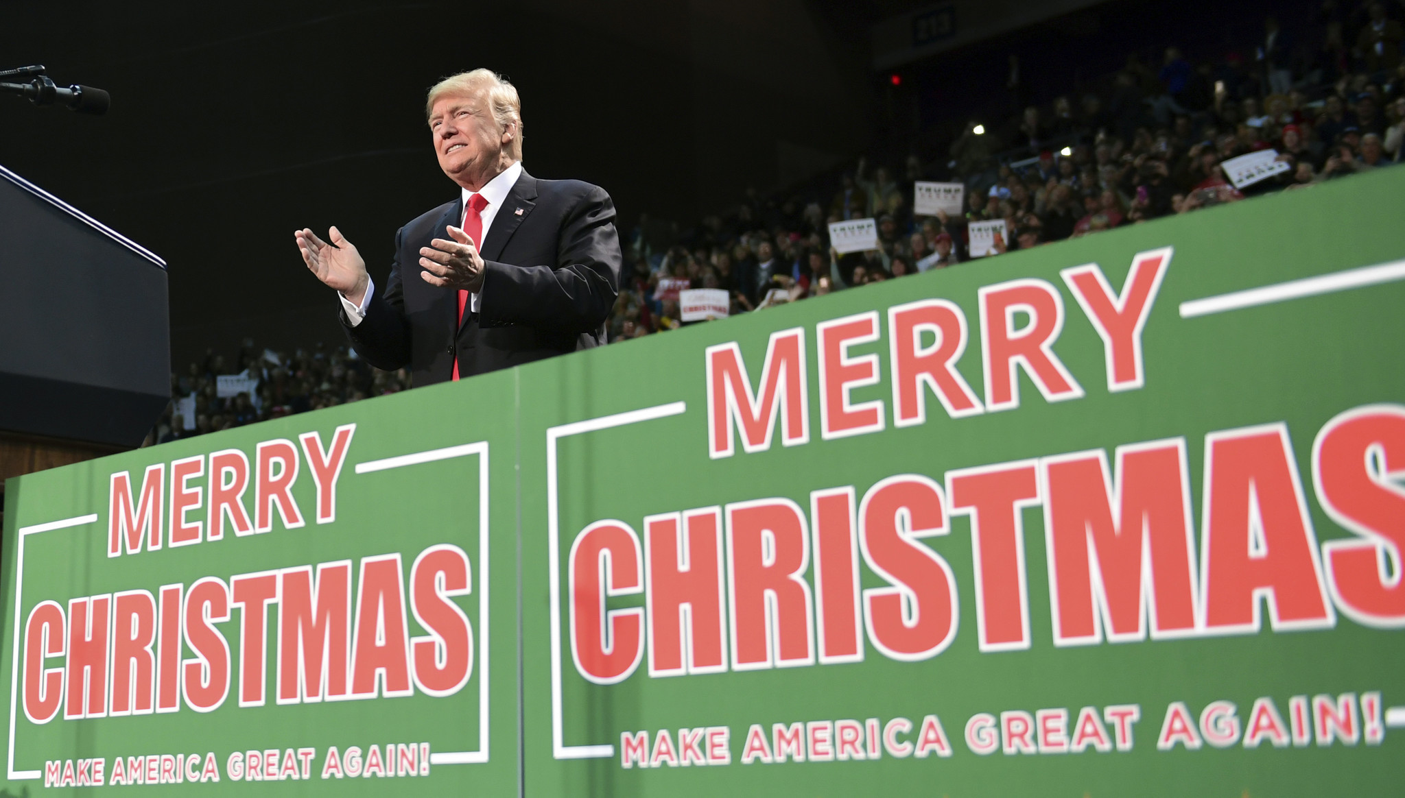 merry christmas or happy holidays everyone has trump on the brain chicago tribune