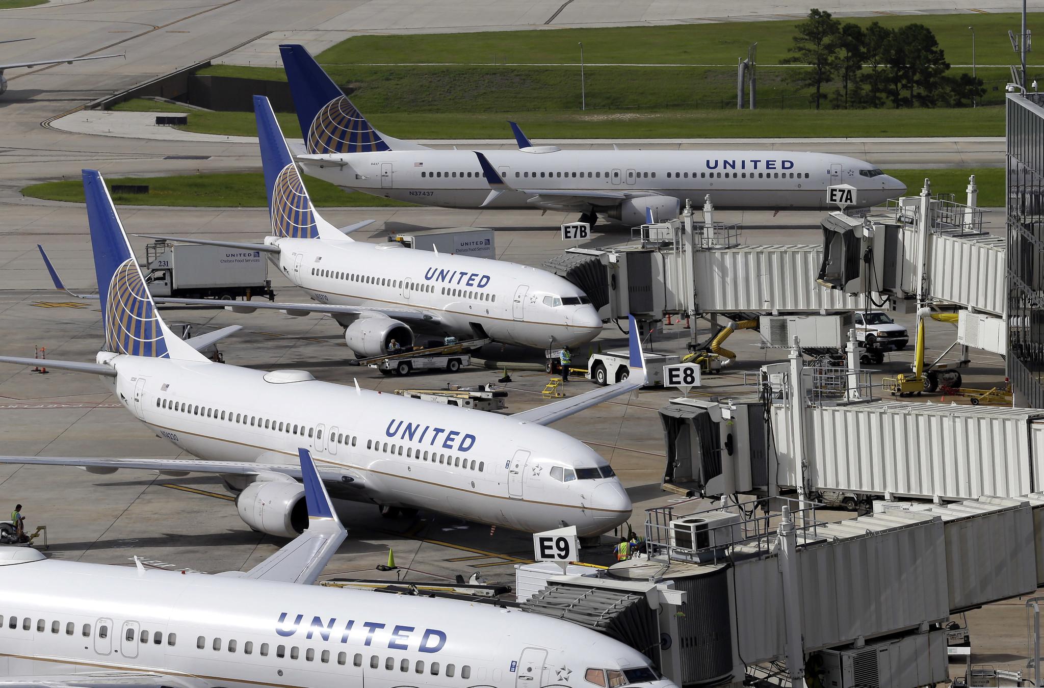 United apologizes to passenger who says U.S. representative took her seat