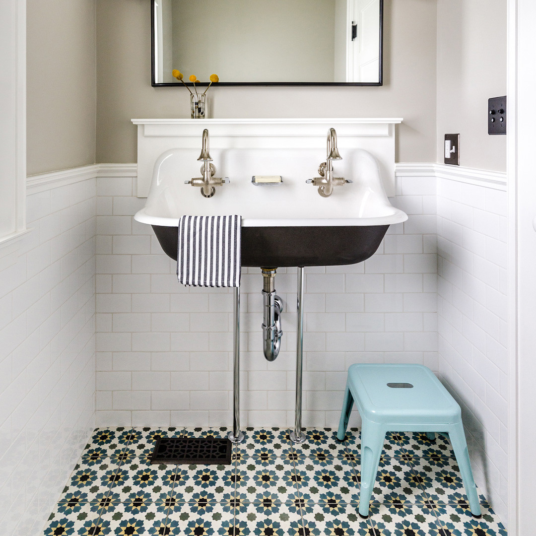 Modern Farmhouse: Houzz predicts trough sinks, vintage styling and rustic farmhouse details will com