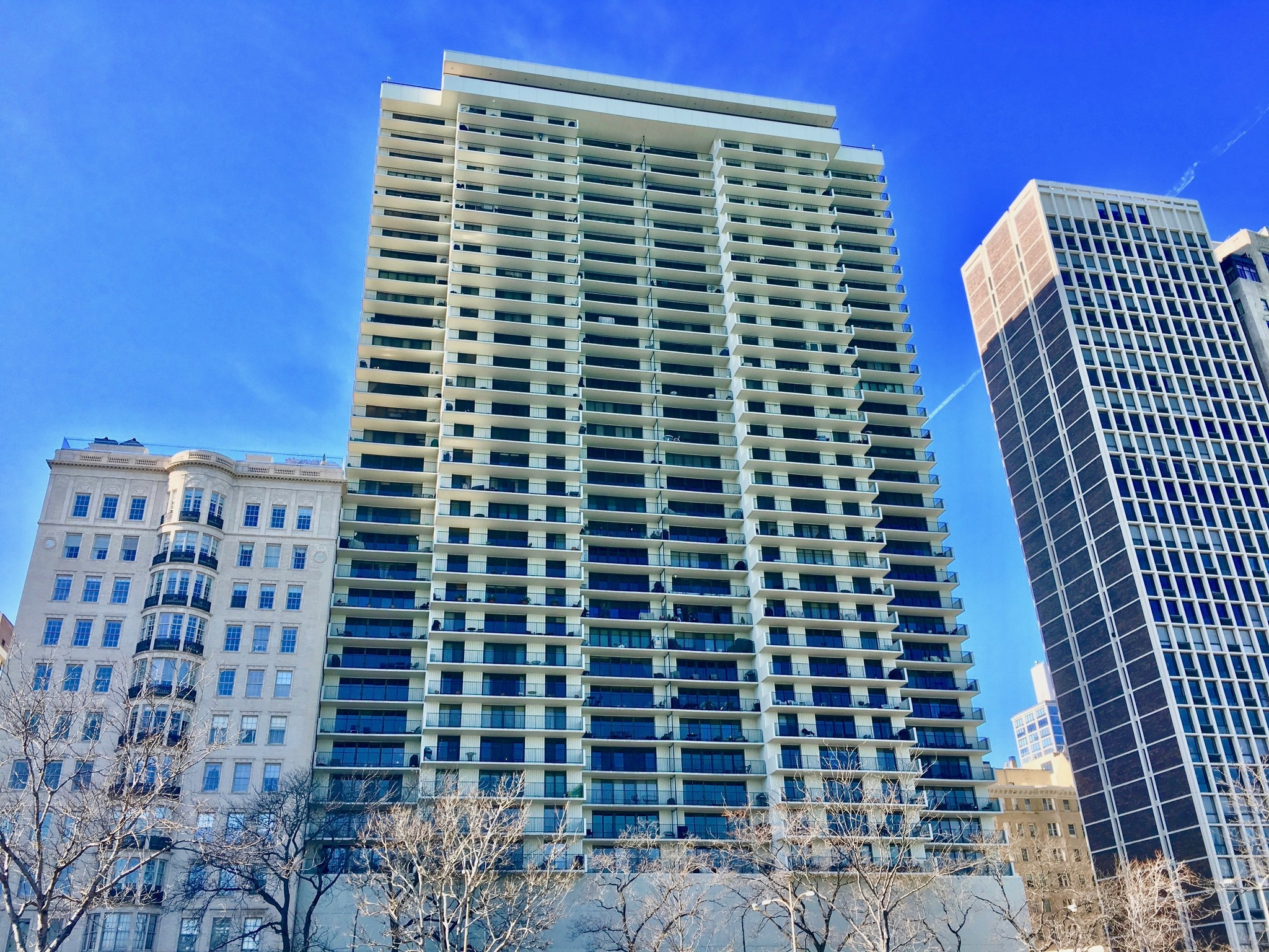 Gold Coast Unit On Eleventh Floor 1 3m Chicago Tribune