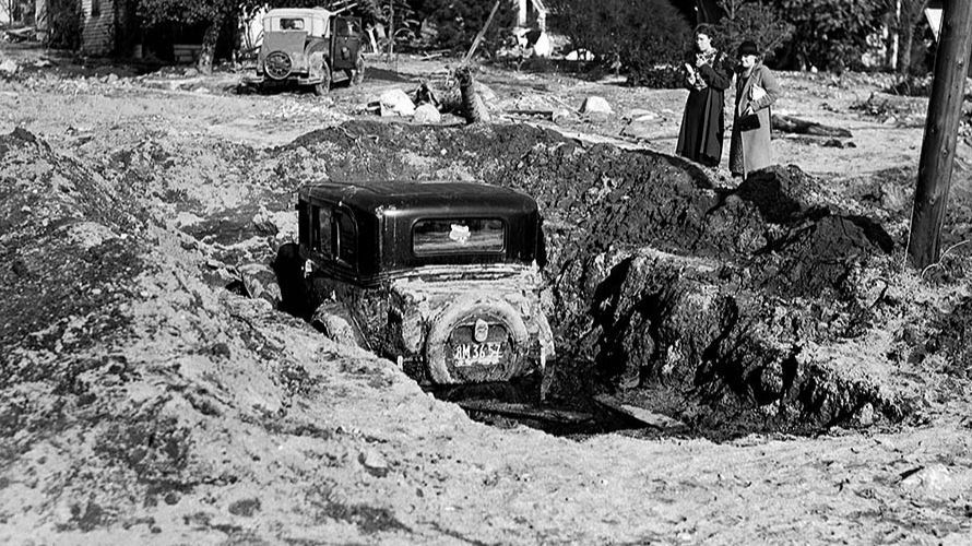 1934 flooding in Crescenta Valley