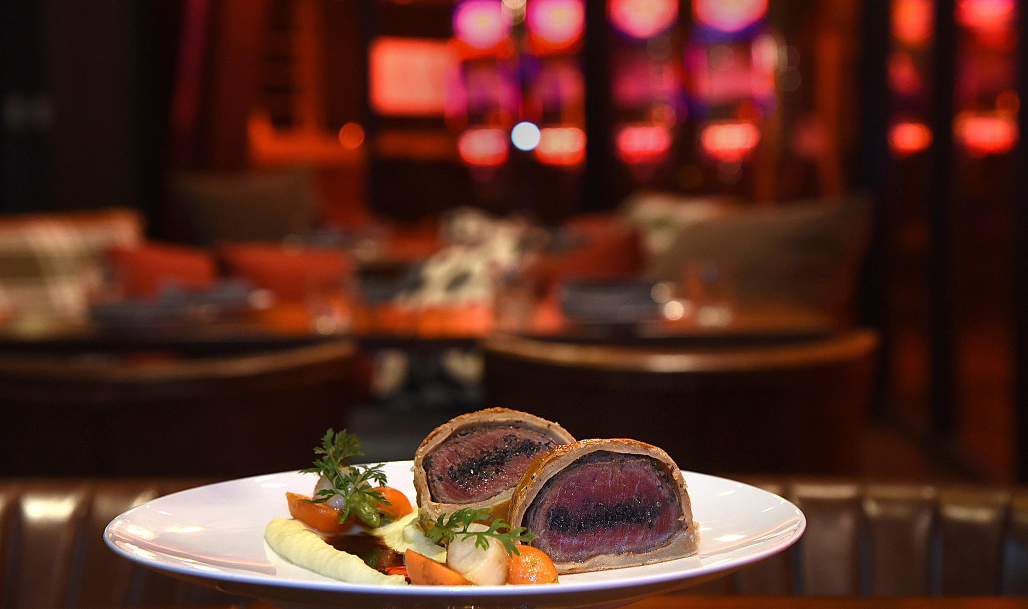 Dining Review At Gordon Ramsay Steak Stellar Food In A Room That Already Needs Makeover Baltimore Sun