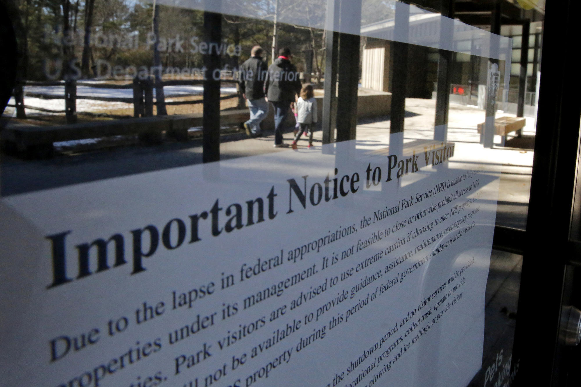 Government shutdown closes Colonial National Historical Park