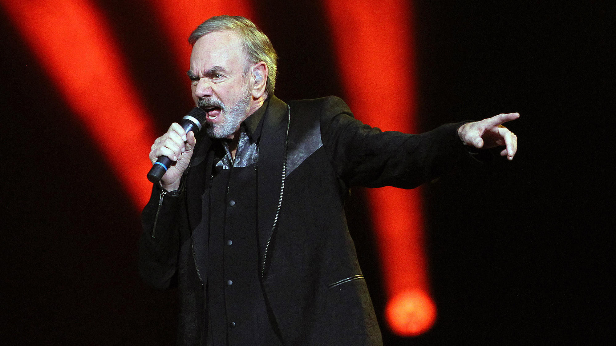 Neil Diamond retires from touring after Parkinson's diagnosis; did our 2015 interview predict his decision?