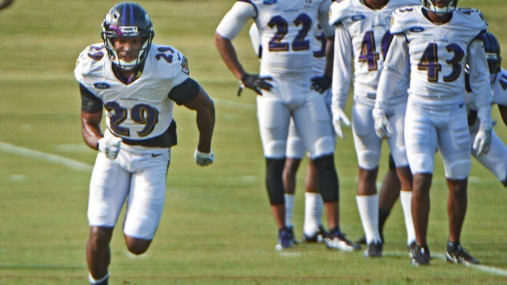Ravens cornerback Marlon Humphrey arrested in Alabama on robbery charge involving $15 phone charger