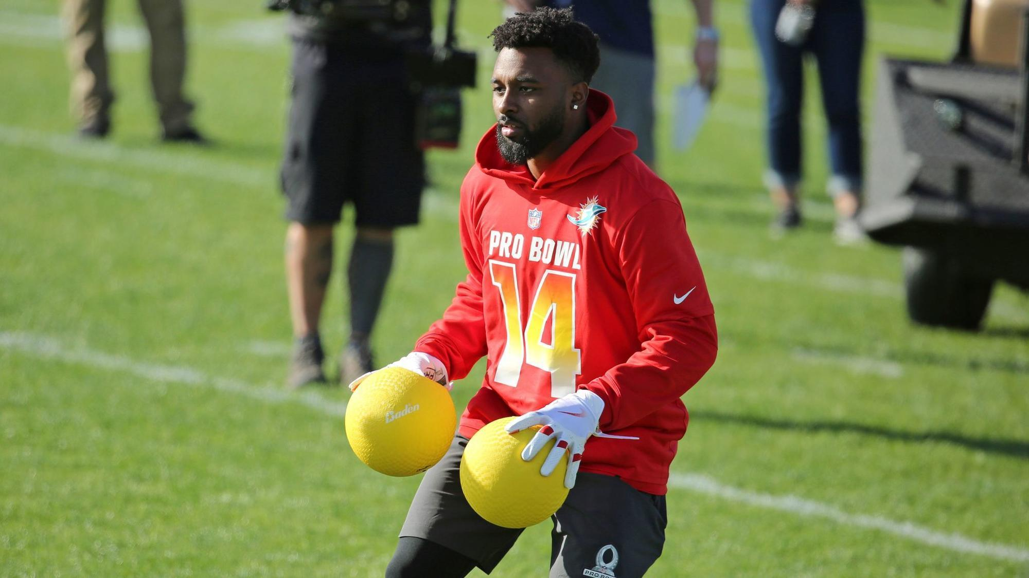 Dolphins  Jarvis Landry puts on memorable show in Pro Bowl Skills Showdown afce910a9