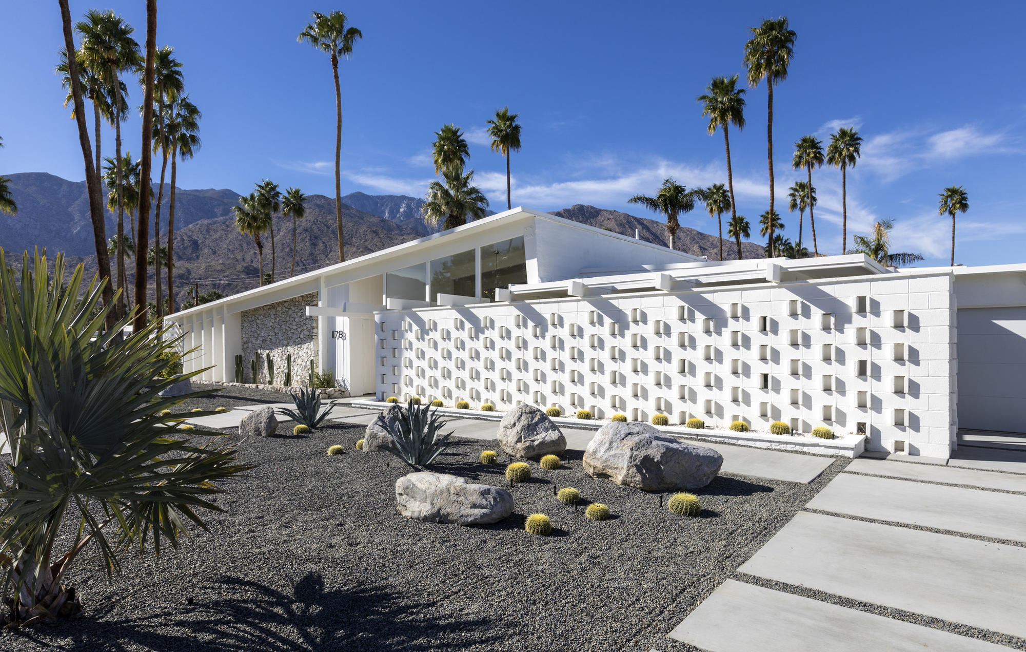 Midcentury Modern makeover in Palm Springs