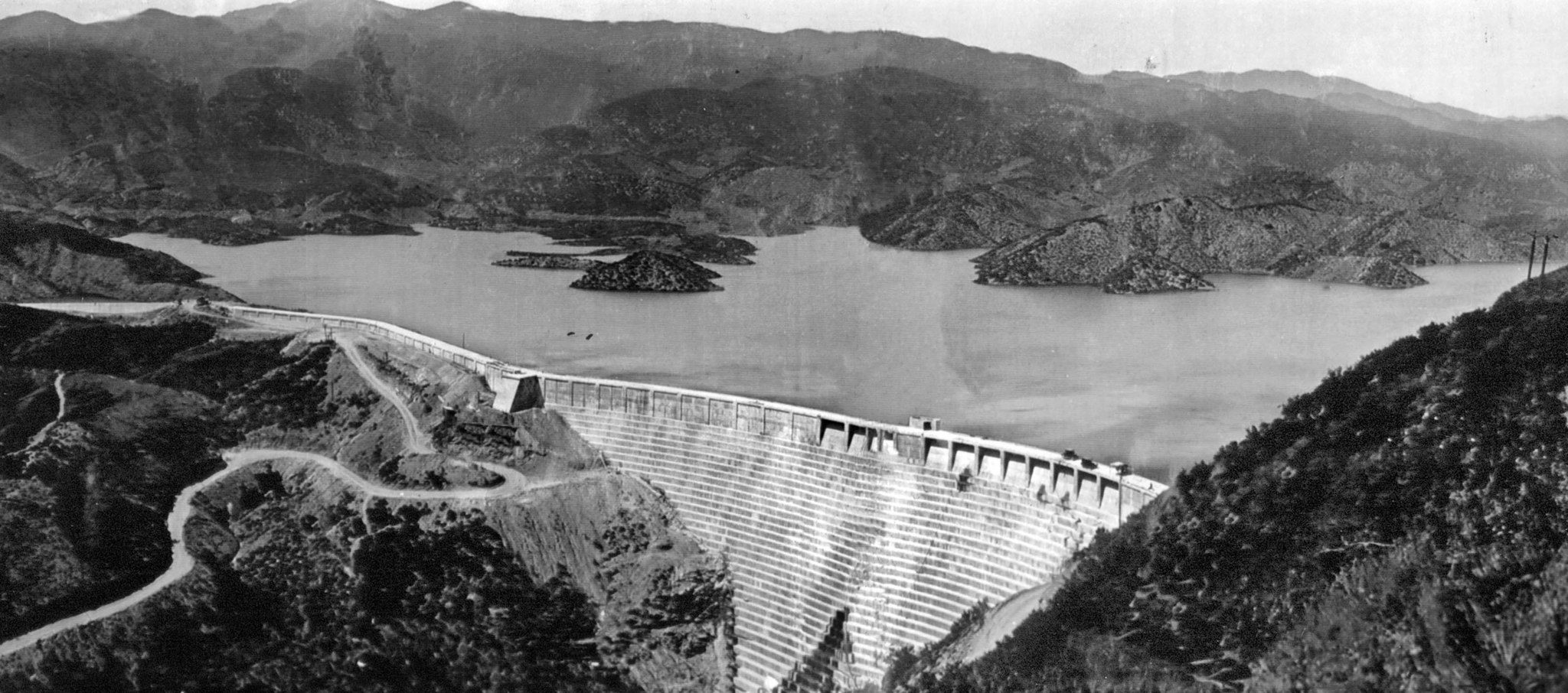 Photo of St. Francis Dam before its collapse. Construction of the dam began in 1924 and finished in
