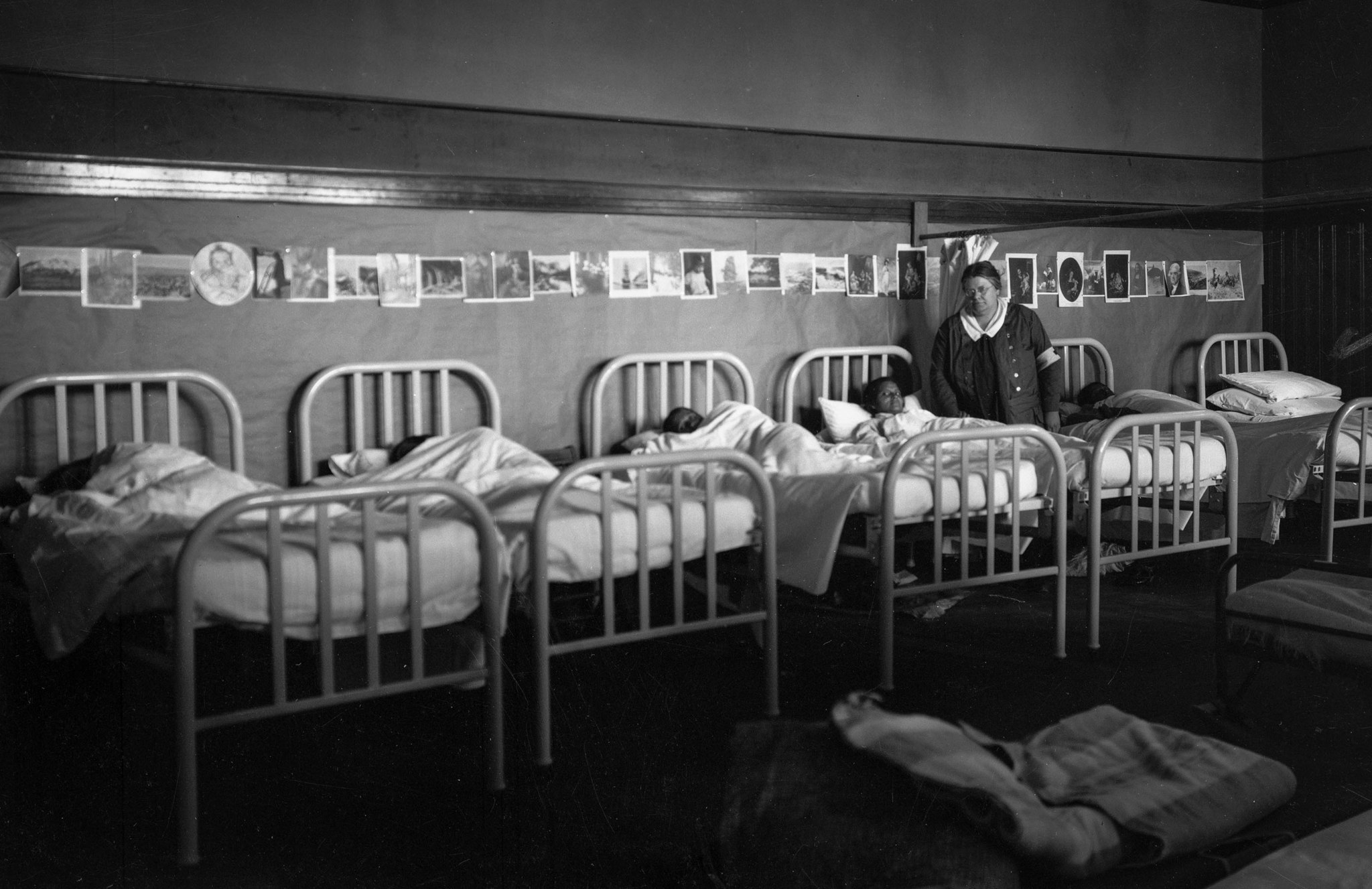 March 1928: Children sleeping in dormitory after the failure of the Saint Francis Dam an flood that