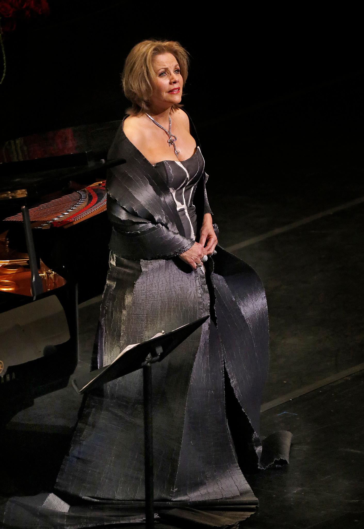 Soprano Renée Fleming