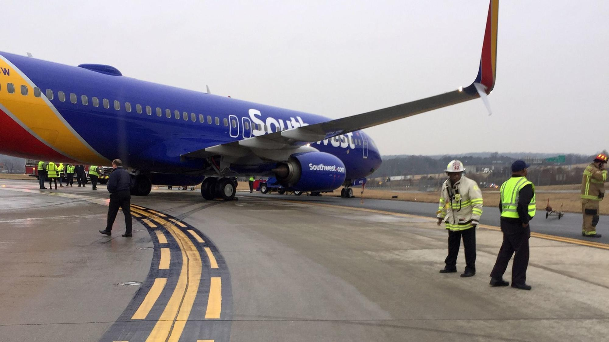 Southwest Plane Slips Before Takeoff At Bwi Airport Baltimore Sun