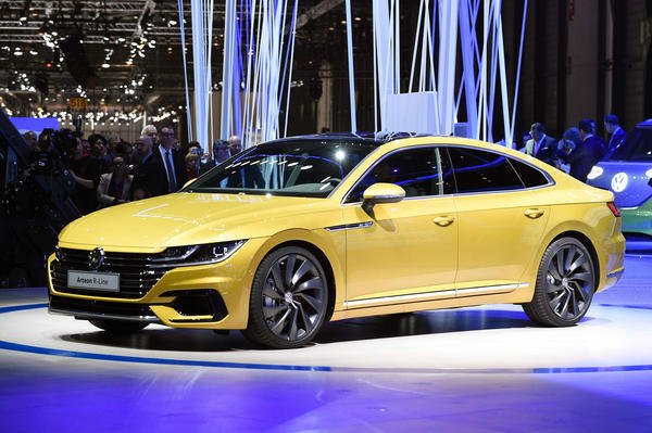 Volkswagen Launches Flagship Arteon Sedan At Chicago Auto Show