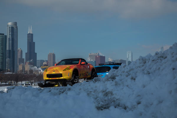 Nissan Rips Up Chicago Auto Show With 370z Snowmobile Chicago Tribune