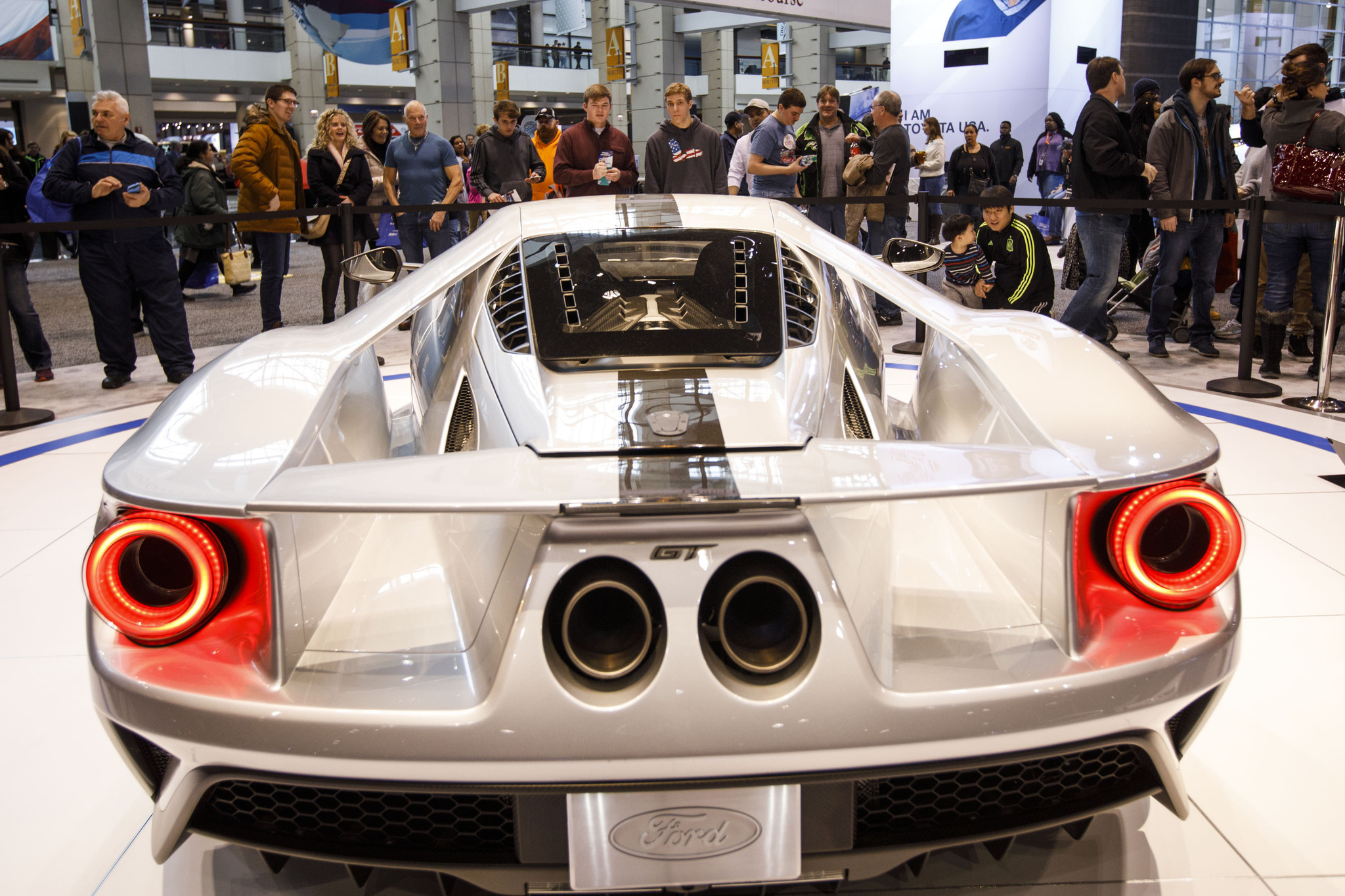 photos from the 2018 chicago auto show chicago tribune