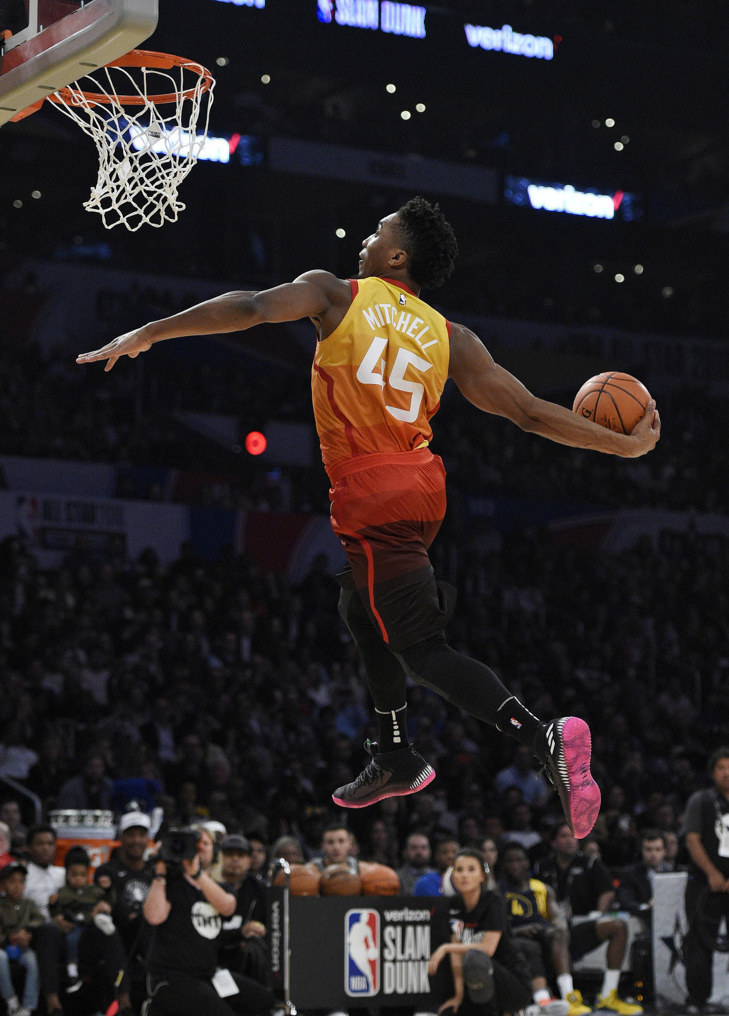 Donovan Mitchell soars to dunk title c71d44bdd